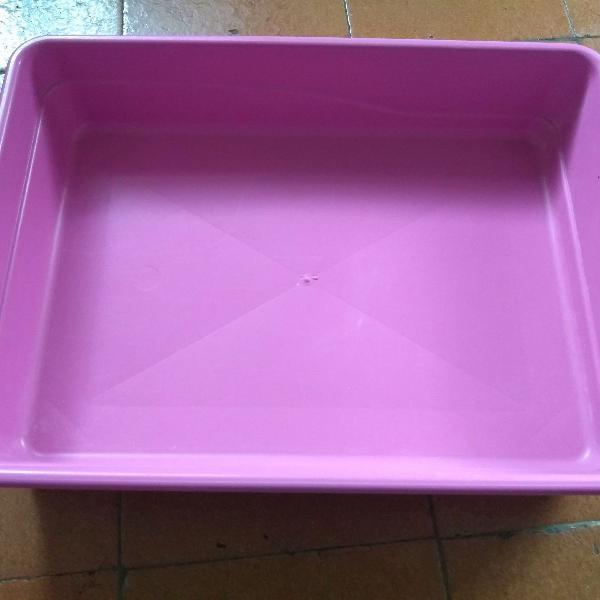 Caixa média de areia para gatos