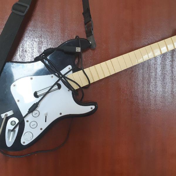 Guitarra guitar hero xbox 360 em perfeito estado