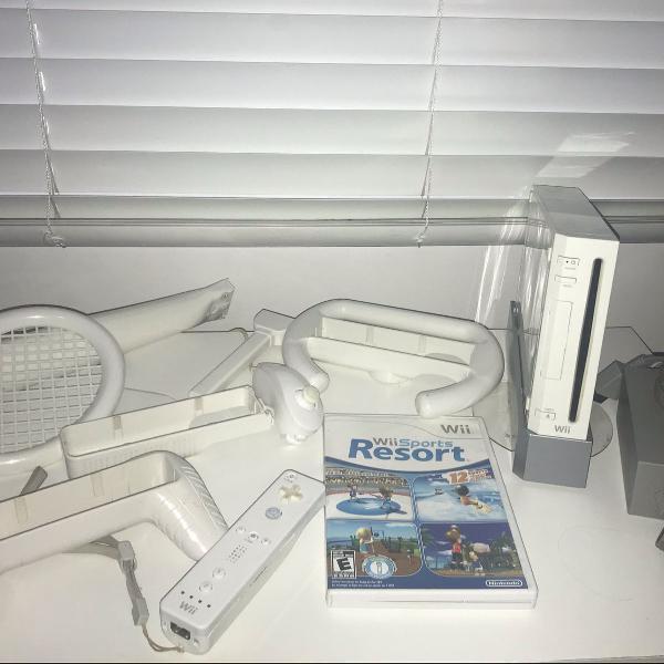 Nintendo wii + kit sports + sports resort