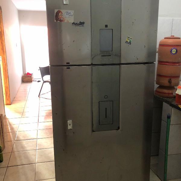 refrigerador electrolux infinity df82x frost free com painel