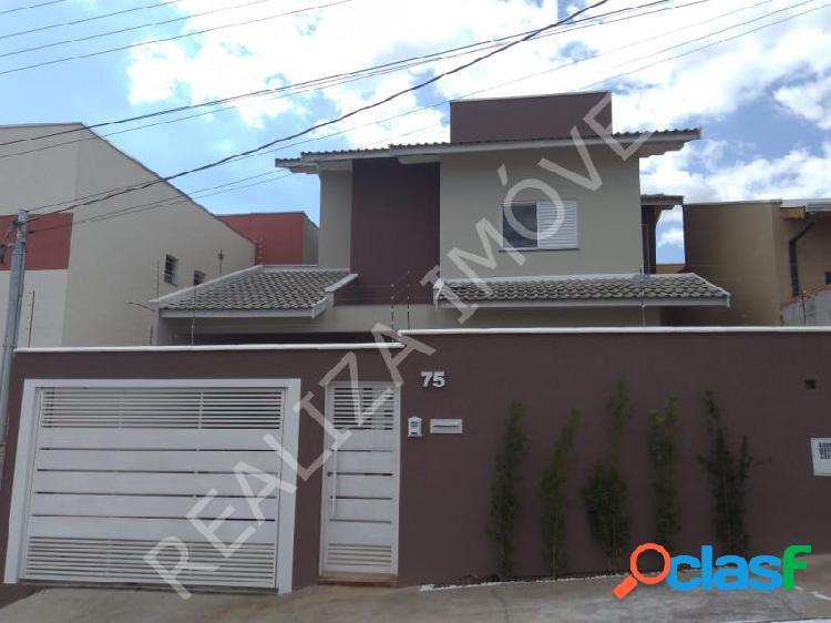 Casa com 3 dorms em Poços de Caldas - Jardim Bandeirantes por 470 mil à venda