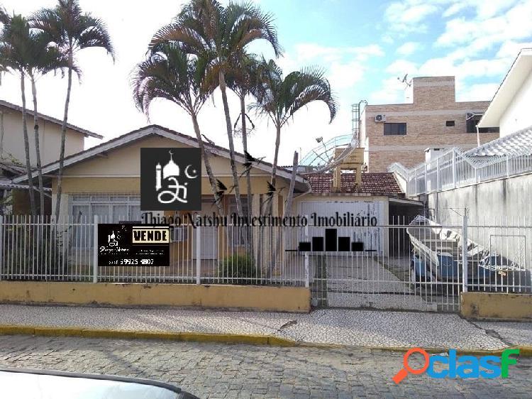 Vendo casa / área comercial - bairro centro - cidade tijucas/sc - brasil