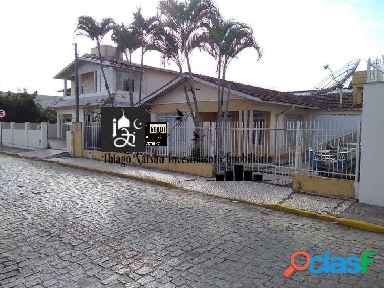 VENDO CASA / ÁREA COMERCIAL - BAIRRO CENTRO - CIDADE TIJUCAS/SC - BRASIL 1