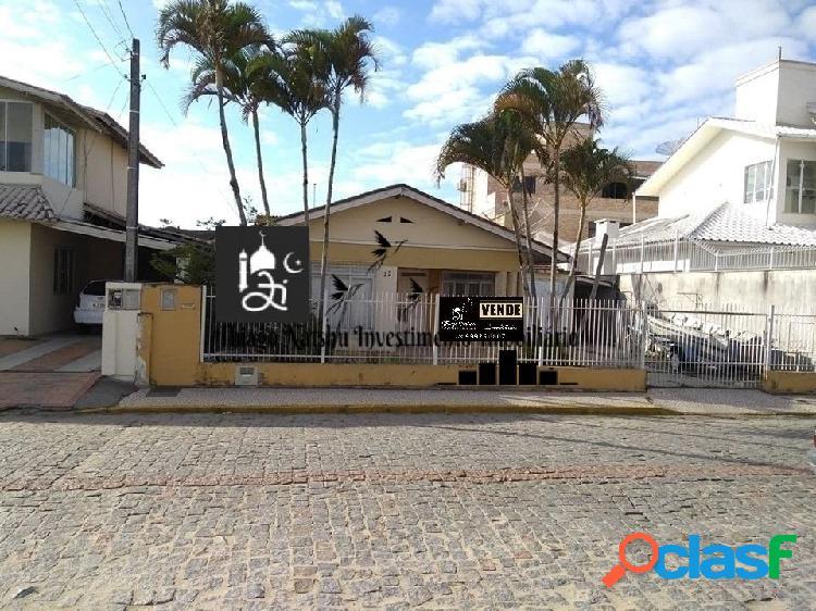 VENDO CASA / ÁREA COMERCIAL - BAIRRO CENTRO - CIDADE TIJUCAS/SC - BRASIL 2