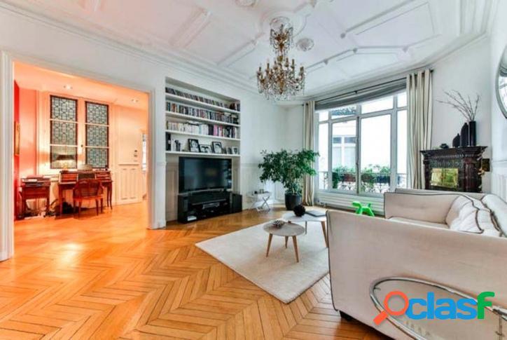 Apartamento no edíficio pierre de taille em paris, frança