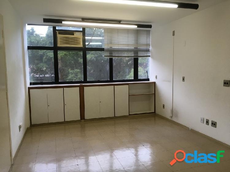 Duas quadras da paulista - 236m² - 10 salas