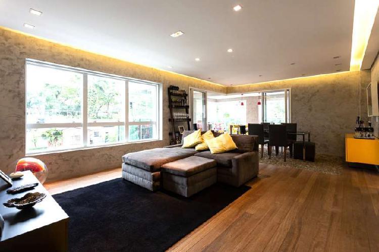 Apartamento impecável com 3 suítes no campo belo.
