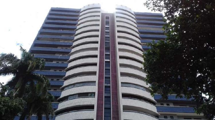 Apartamento para venda com 201 metros quadrados com 3