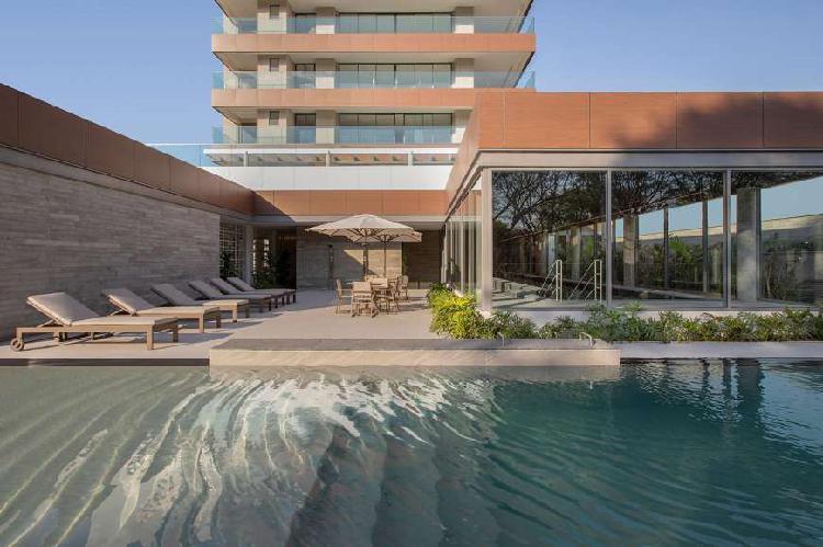 Apartamento para venda possui 332 metros quadrados em
