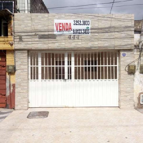 Casa com 03 quartos - Fortaleza - CE