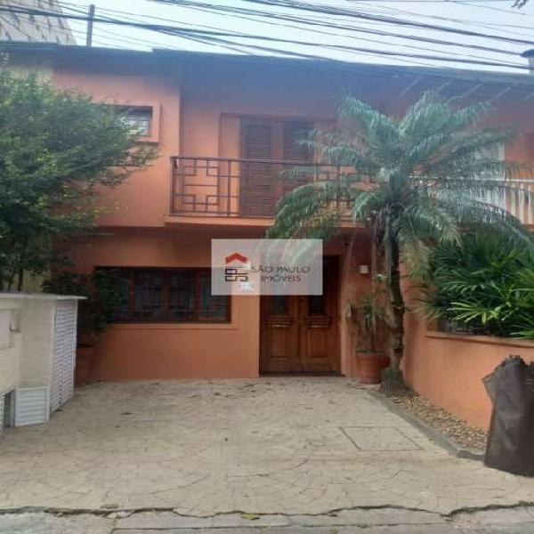 Casa de Vila na Ministro Rocha Azevedo com 3 dormitórios.