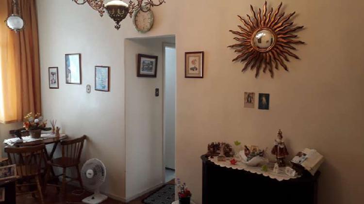 Excelente sala e suíte com dependência no Humaita próximo
