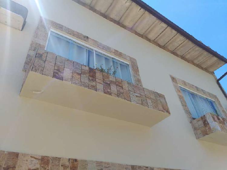 Vendo casa em vila residencial próximo à freguesia e ao