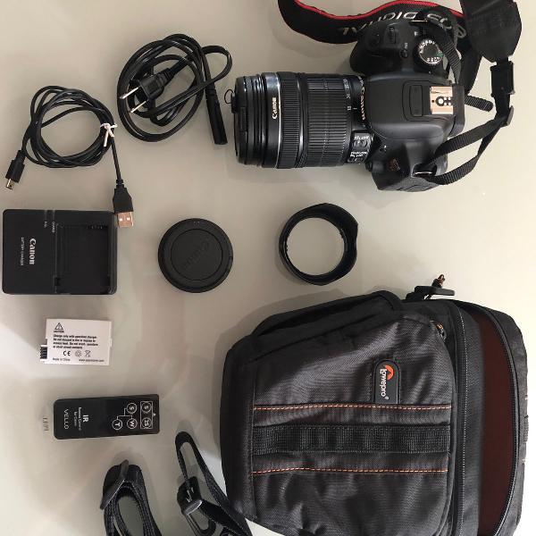 Câmera fotográfica canon rebel t4i com lente 18-135mm