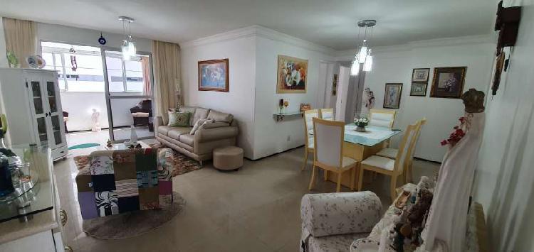 Apartamento nascente com 117 metros, bem conservado a venda