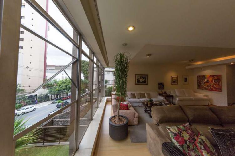 Apartamento para aluguel com 170 metros quadrados com 4