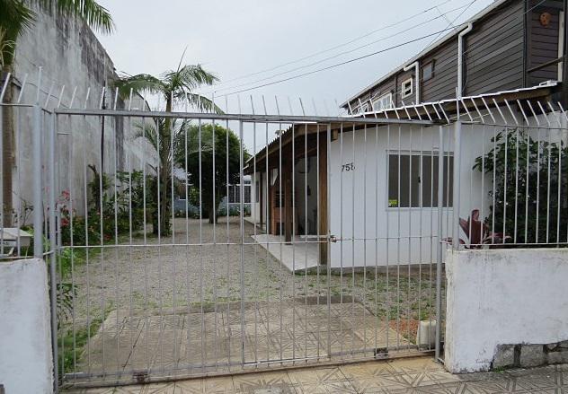 Casa para aluguel tem 180 metros quadrados com 4 quartos