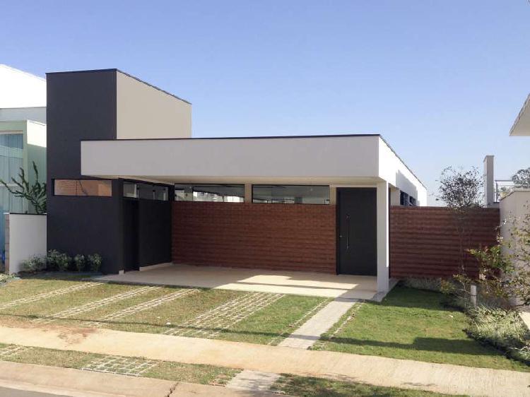 Casa para venda possui 260 m² com 3 suítes em swiss park -