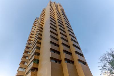 Apartamento alto padrão face norte espaçoso, com uma