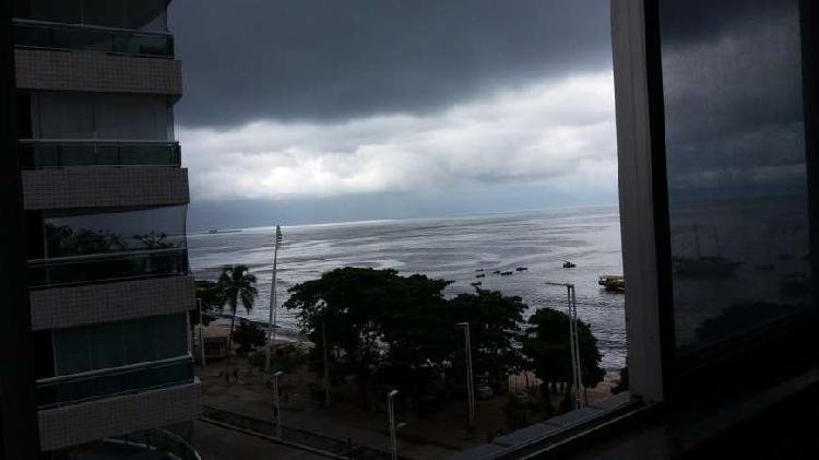 Apartamento de 2 quartos na Av. Beira Mar