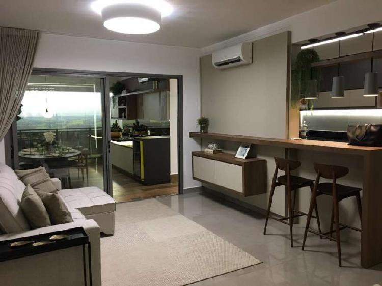 Apartamento três suites