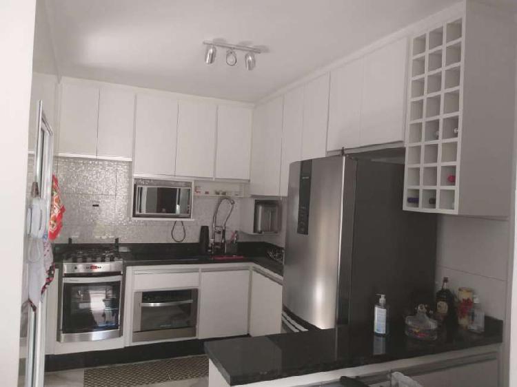 Casa de condomínio para venda tem 100 metros quadrados com