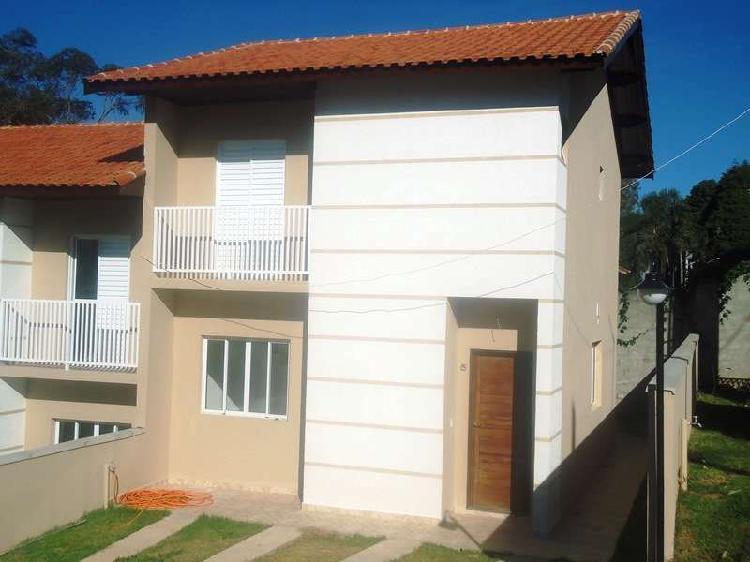 Casa em condomínio recanto verde, cotia-sp.