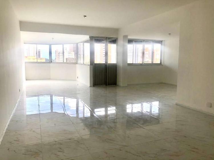 Particular vende apartamento com 3 suítes em Aldeota -