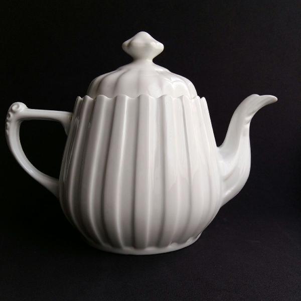 Bule de chá em porcelana schmidt