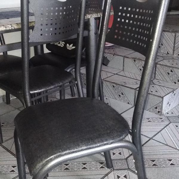 Mesa com 6 cadeiras, tampo de granizo. ótimo estado!