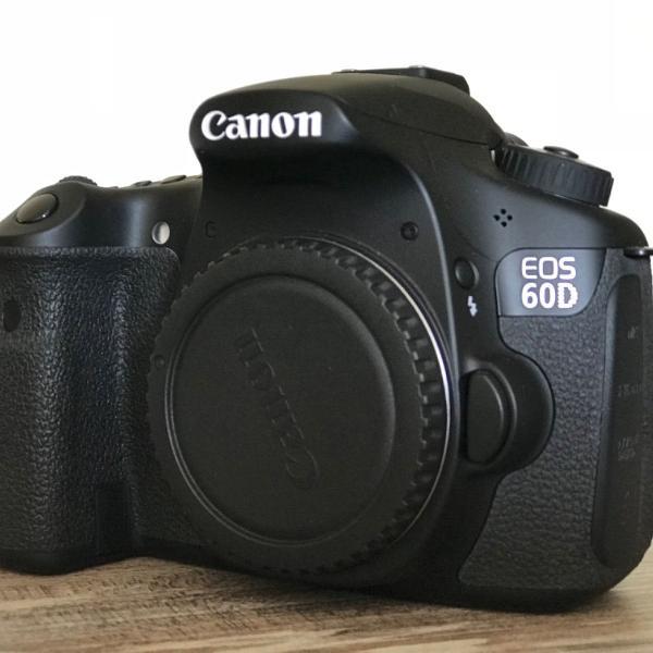 Máquina fotográfica canon 60d