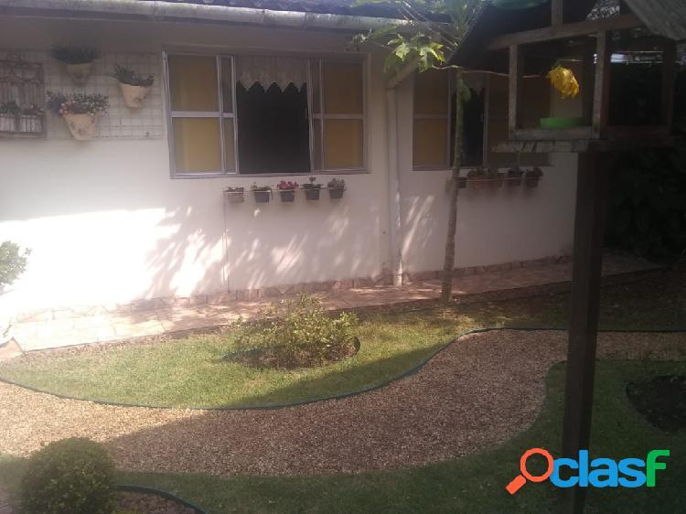 Casa com 3 dormitórios em uma ótima localização em itanhaém...