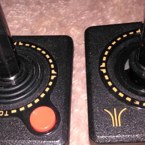 2 controles atari original.