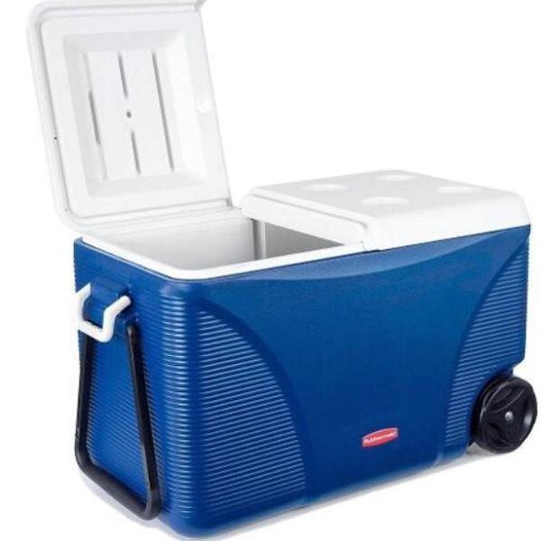 Caixa térmica rubbermaid com rodas