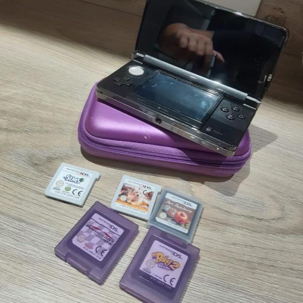 Nintendo 3ds com jogos e case