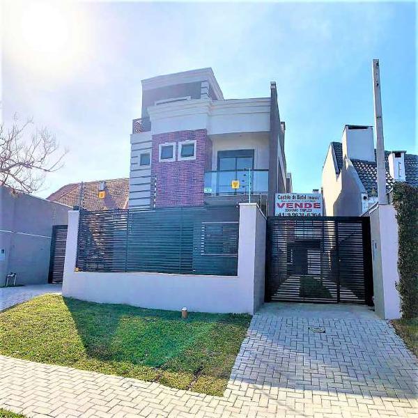 Sobrado Triplex 203 m², 4 quartos, 4 vagas de garagem, Hugo