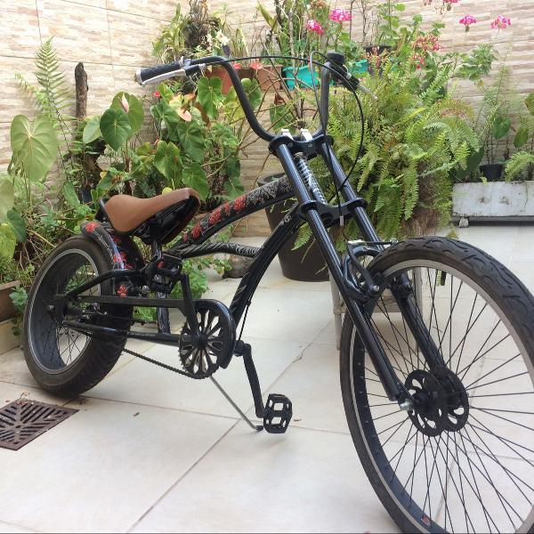 Bike chopper skull and roses