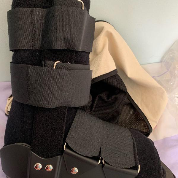 bota ortopédica usado somente uma vez