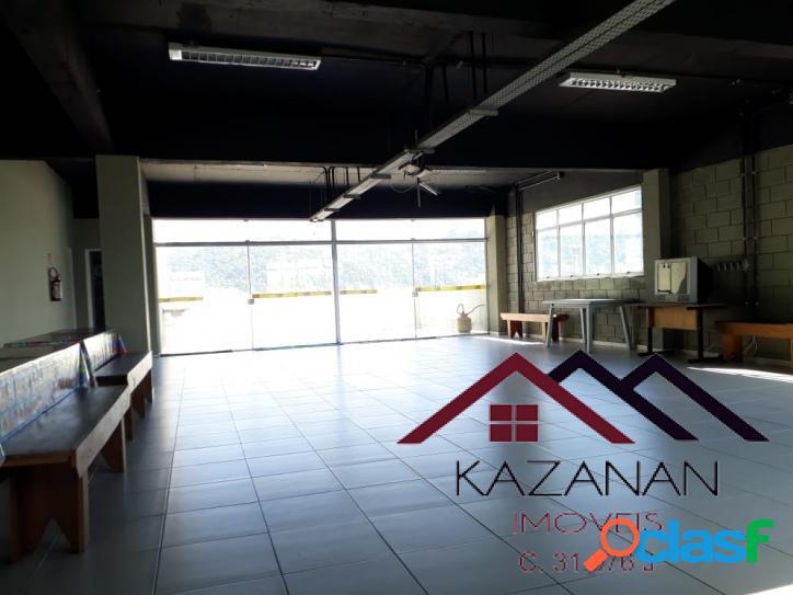 Cobertura 500 m² comercial, vestiários e refeitório, varanda