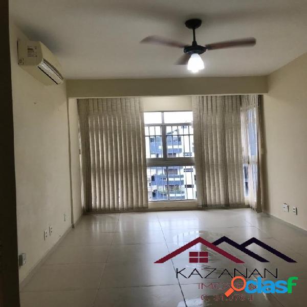 Apartamento 01 Dormitório, Boqueirão, 01 vaga, próximo a praia.