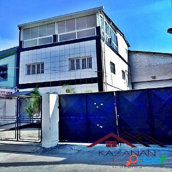 Galpão comercial triplex, com 800m² área total - Macuco, Santos - SP.