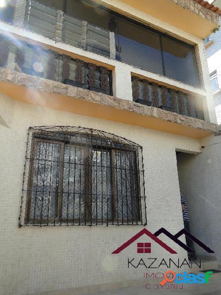 Sobrado triplex, 158m², 2 vagas; 4 dormitórios; Ponta da Praia - Santos/SP