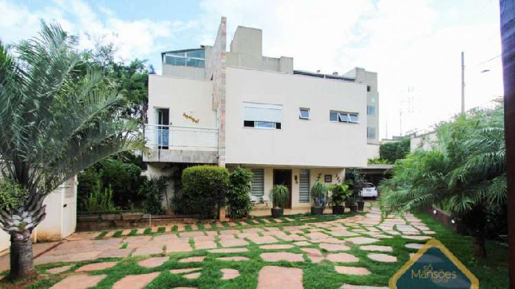 Casa com 343 m² - lote de 540 m² - 4 qts - 3 vagas -