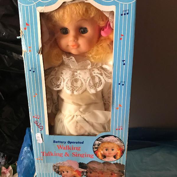 boneca antiga musical