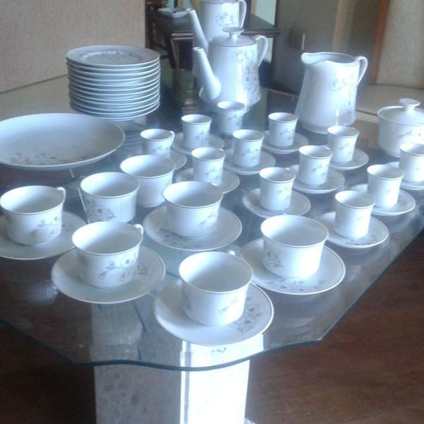 Jogo de chá, café e bolo em porcelana, anos 60