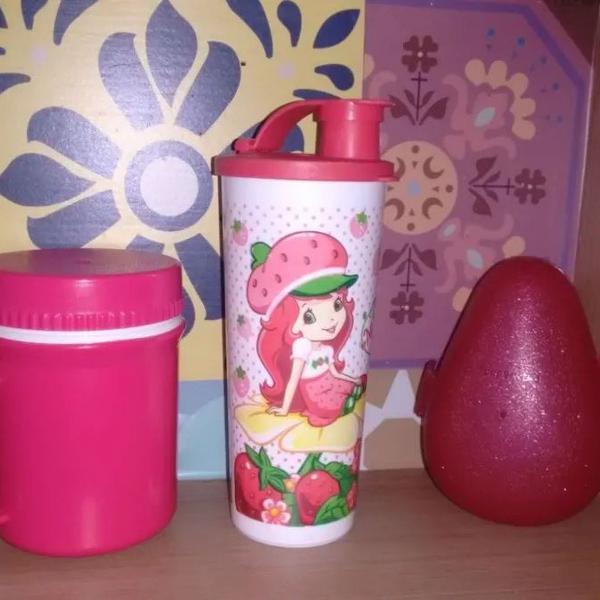 Tupperware kit infantil copo com bico e porta morango + copo