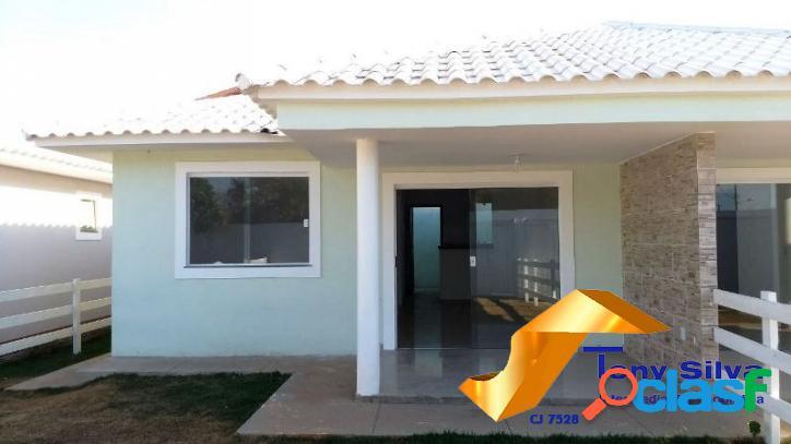 Casa individual linear de dois quartos em cabo frio