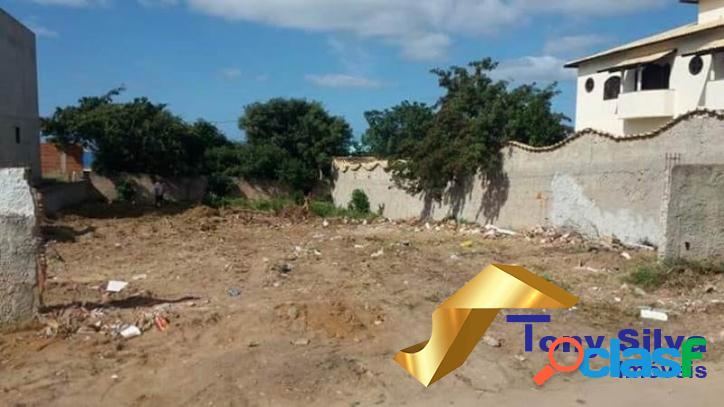 Excelente terreno com 420 m² na Vila do Peró em Cabo Frio