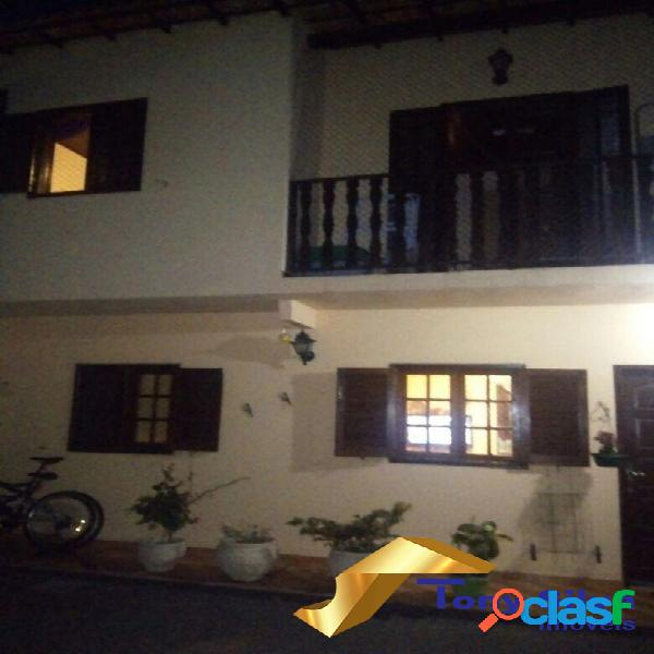 Casa em condomínio 3 quartos nas palmeiras em cabo frio