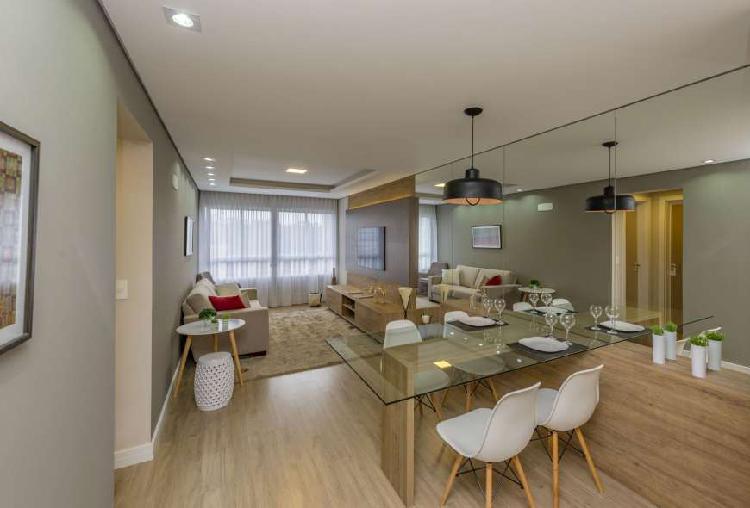 Apartamento à venda com 68 m2, tem 2 dorm., sendo uma suite